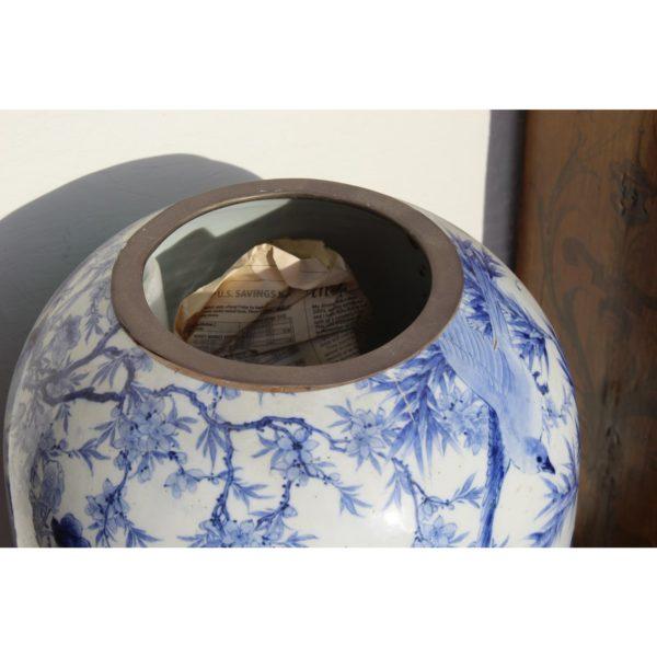 monumental-japanese-blue-and-white-vase-0401