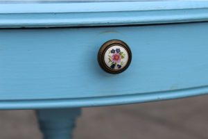 1920s-vintage-regency-style-blue-painted-round-occasional-table-3482