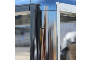 1970s-chrome-mirrored-display-case-stand-1795