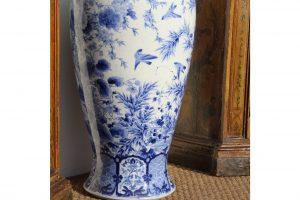 monumental-japanese-blue-and-white-vase-5013